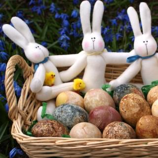 Celebrating Easter with Naturally-Dyed Eggs